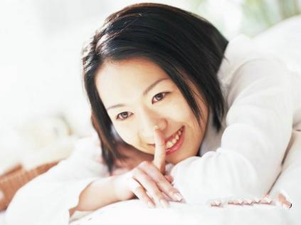 女性日常保养乳房七个方法 定期做经络疏通