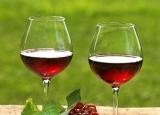 半甜的红葡萄酒有啥奇效? 常喝有效预防老年痴呆