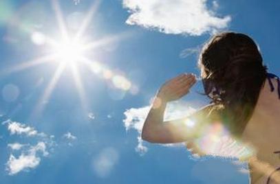 中暑的症状有哪些 中暑了不妨试试中医刮痧法
